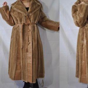 Glamorous vintage caramel fur and leather coat